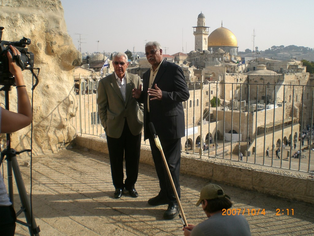 Ben-Kinchlow-and-Earl-Cox-with-Temple-Mount-and-Kotel-in-the-background-preparing-to-shoot-a-spot-for-television-promoting-support-for-Israel-1024x768