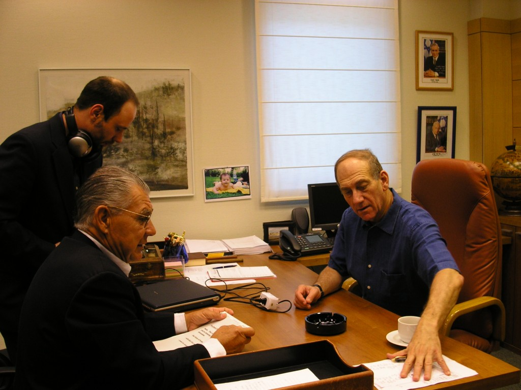 Copy-of-Asking-tough-questions-seeking-the-truth.-Earl-Cox-interviews-then-Prime-Minister-Ehud-Olmert-1024x768